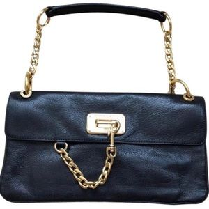 MICHEAL KORS black leather w/gold chain detail